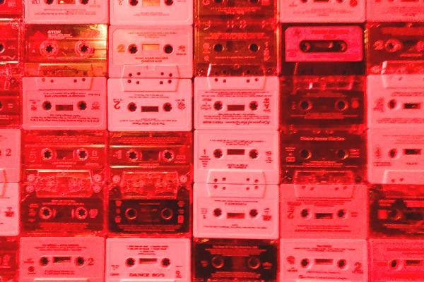 カセットの壁