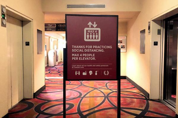 パリスホテル エレベーター