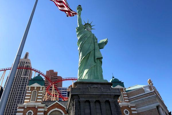 ニューヨークニューヨーク 自由の女神像