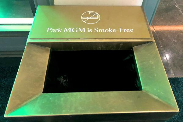 パークMGMゴミ箱