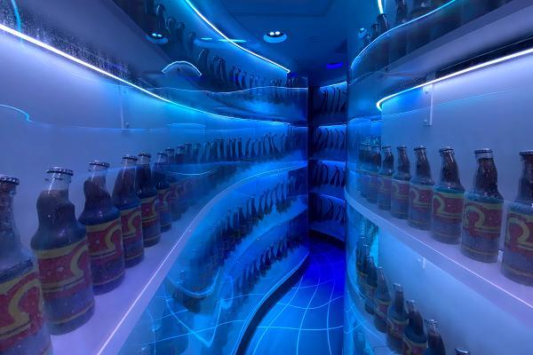 コーラ冷蔵庫内部