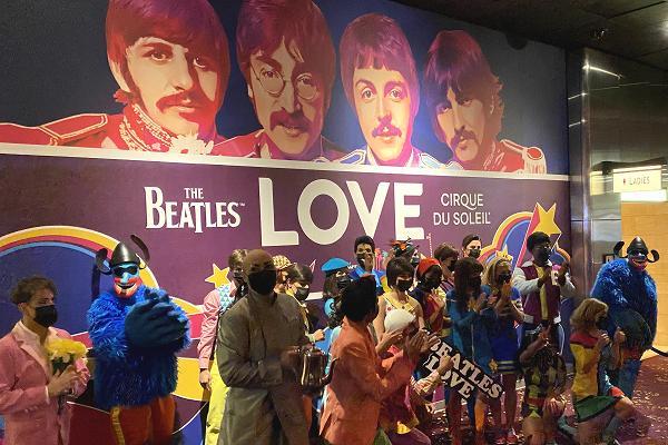 ビートルズ壁画